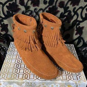 Minnetonka fringe ankle bootie, brown, Size 10